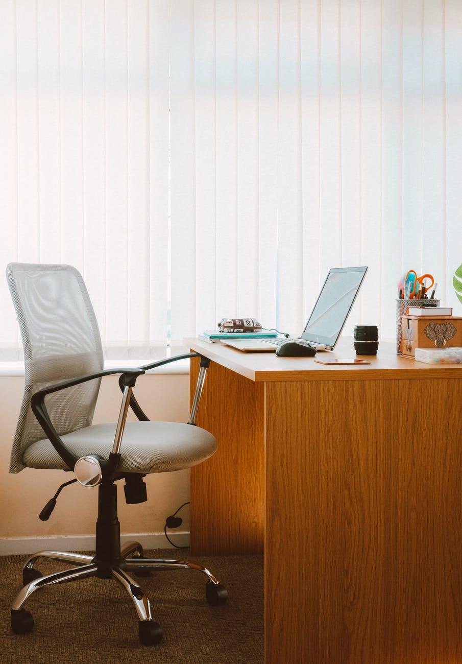 Um Escritório bem organizado ajuda na organização do trabalho